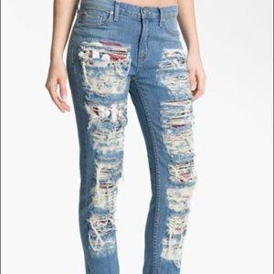 •Hudson• Dax Cropped Boyfriend Jeans